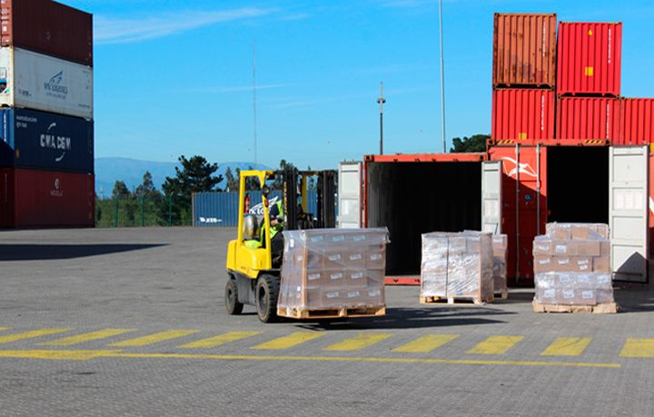 cuales son las ventajas de externalizar la logística